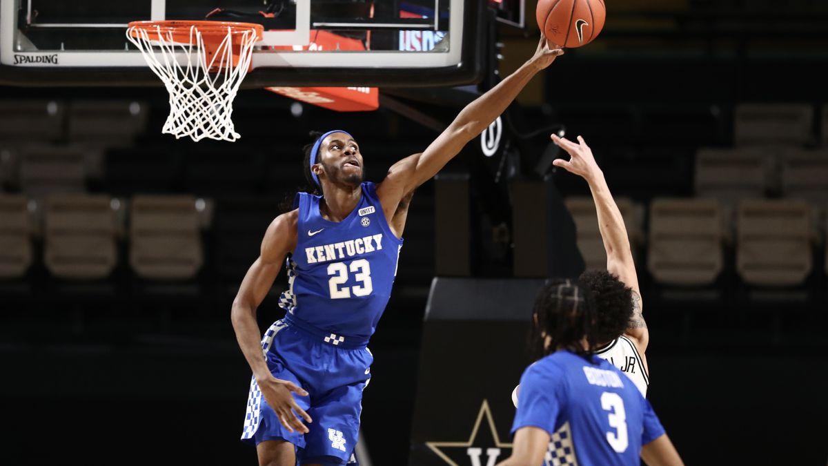 Isaiah Jackson (Kentucky) gets up for a block vs. Vanderbilt
