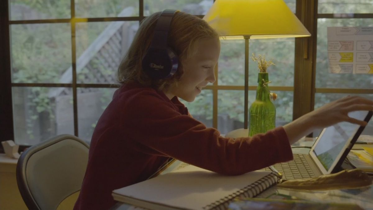 Child learning at home online
