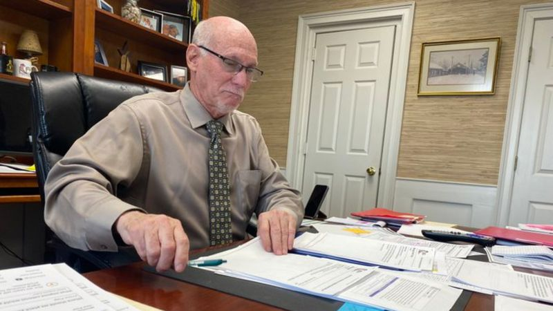 In 3-2 decision, the Clark County School Board voted not to renew Superintendent Paul Christy's...