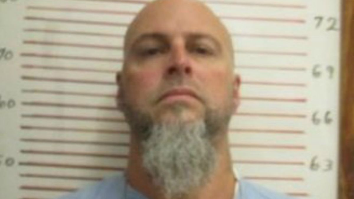 Curtis Ray Watson is accused of killing a corrections employee and escaping a prison. (Tennessee Bureau of Investigation)