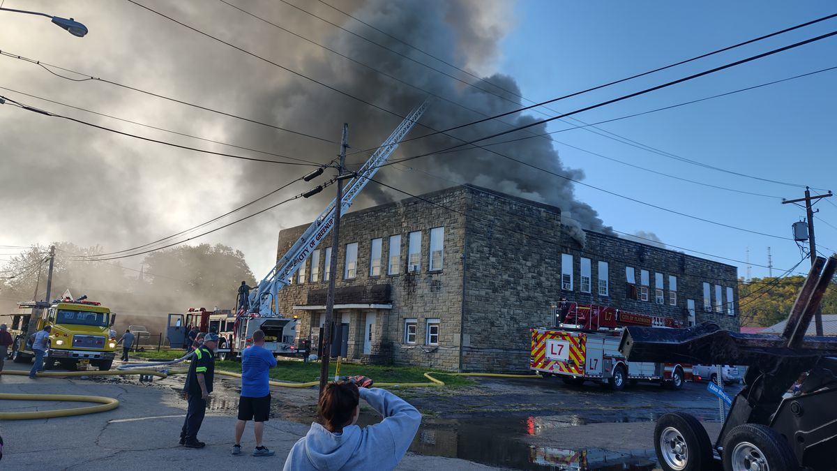 Fire reported at apartment complex in Greenup County