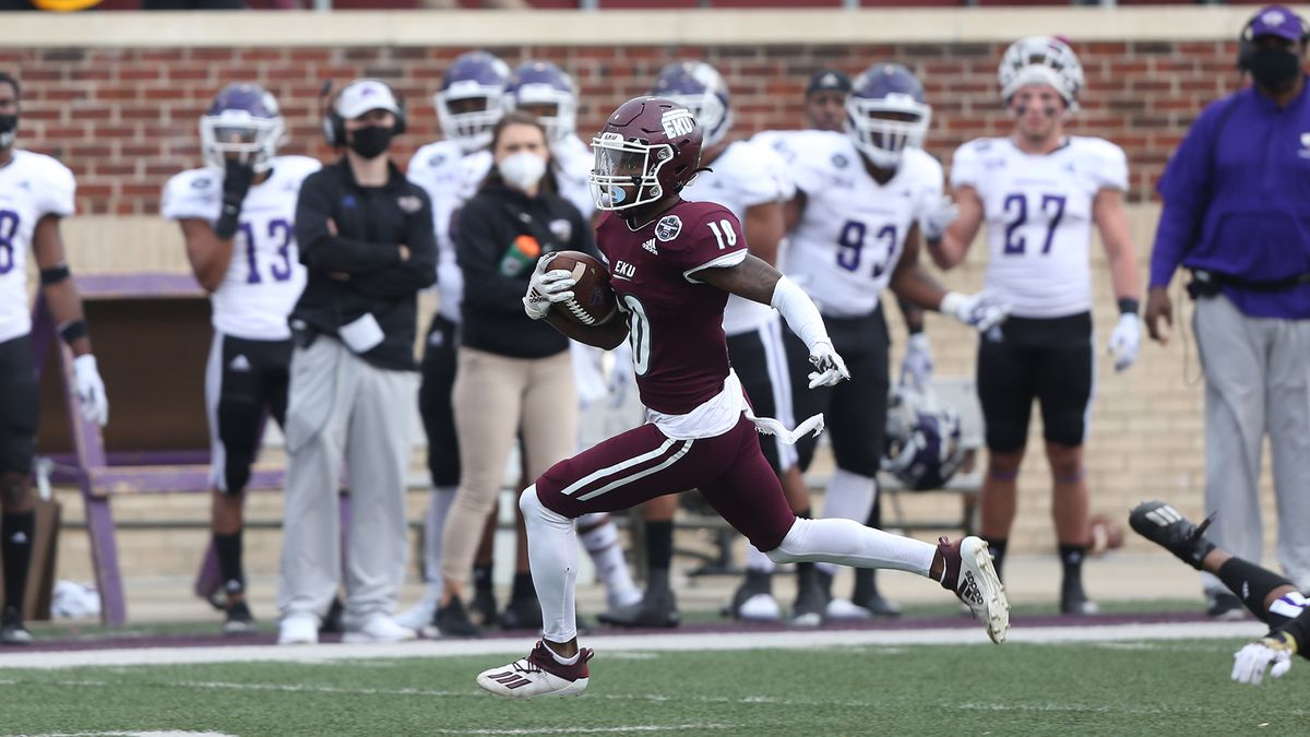 EKU rolls past Western Carolina 49-17.