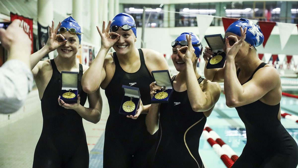 Kentucky wins the 800 Freestyle Relay.