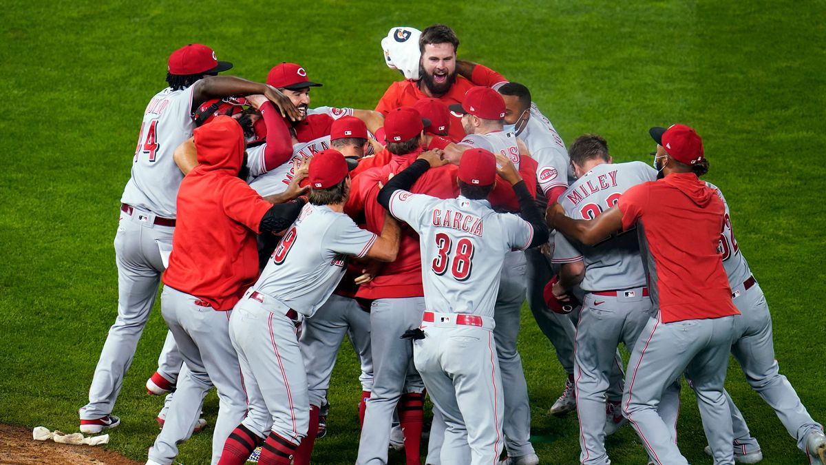 The Reds will face the Braves in the playoffs.
