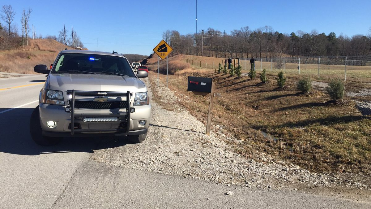 Laurel County deputies say two men jumped out of the car. One ran into the nearby woods, and the other assaulted a deputy. (WKYT)
