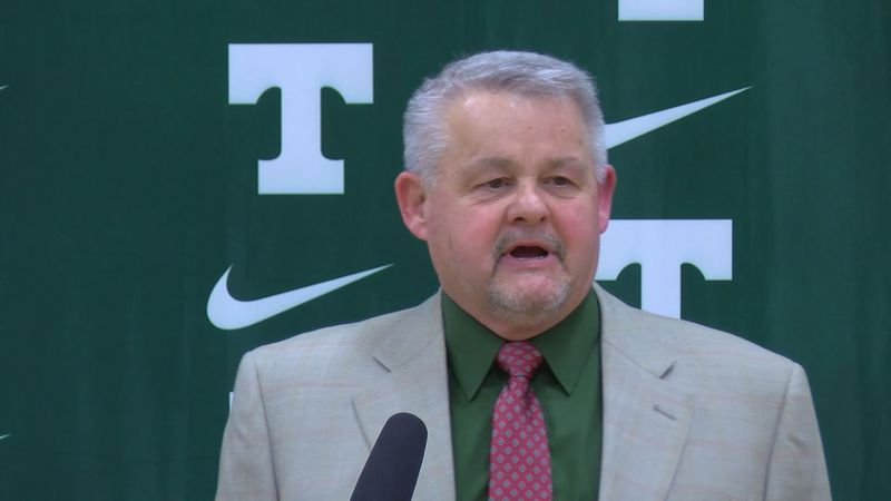 Jay Cobb named new football coach for the Trinity Shamrocks