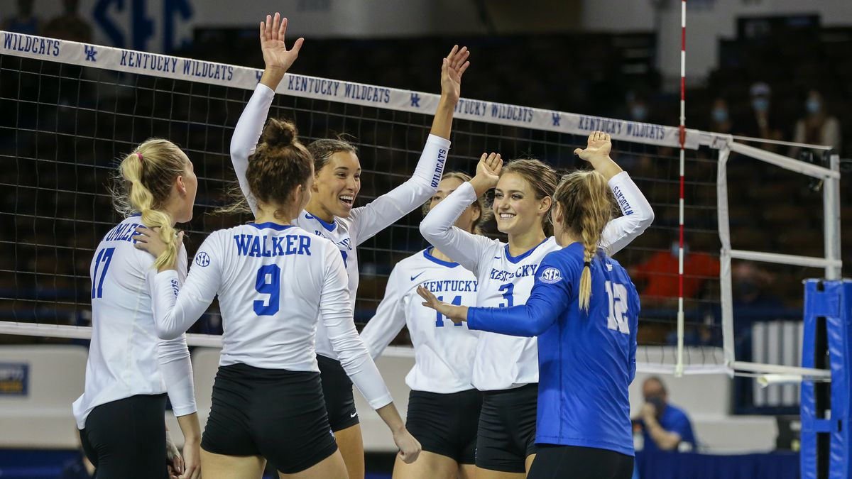 No. 2 Kentucky sweeps Mississippi State.