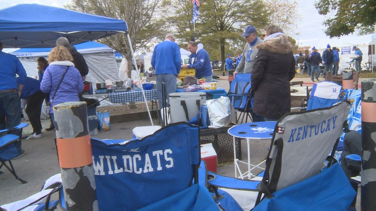 Fans were bundled up, and some even brought heaters, to make it through tailgating in the cold.