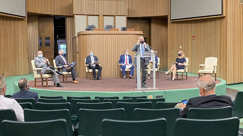 Thoroughbred industry leaders, Senator Mitch McConnell and Congressman Andy Barr were among...