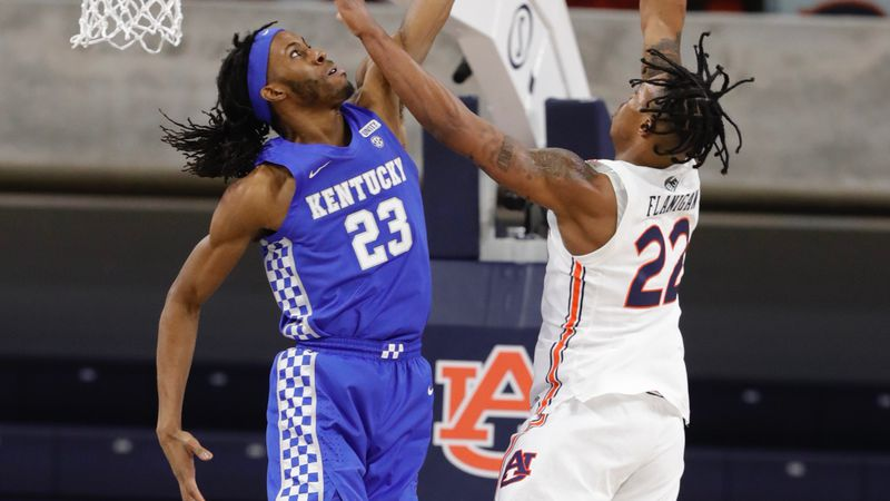 Auburn beats Kentucky 66-59.
