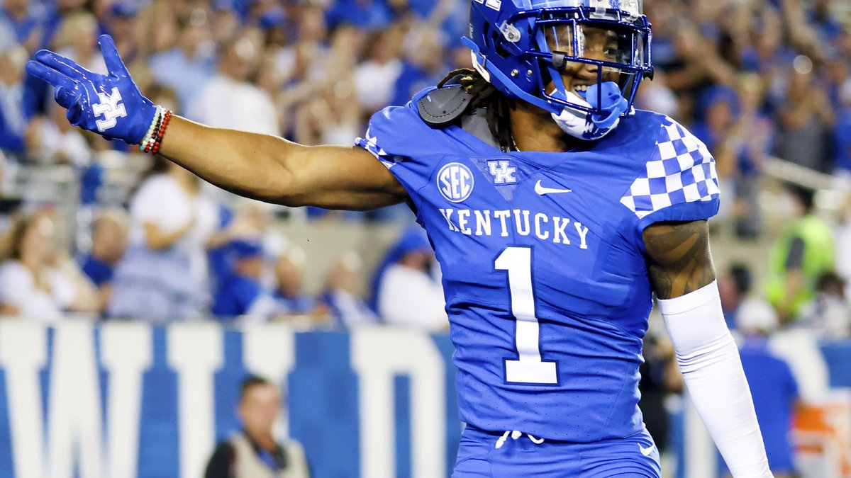 Kentucky wide receiver Wan'Dale Robinson (1) celebrates getting a first down during an NCAA...