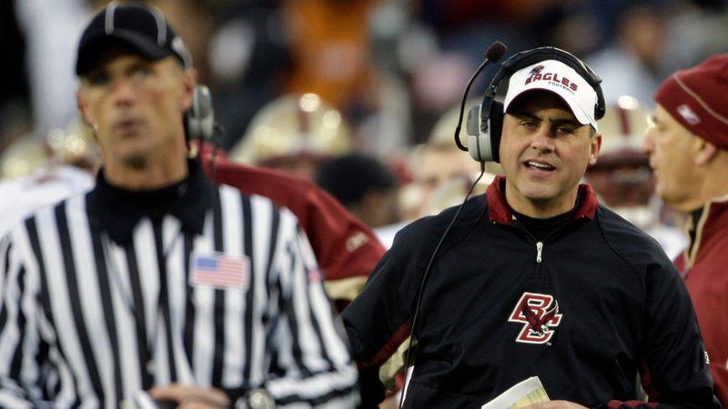 Kentucky hires Jeff Jagodzinski to coach offensive line