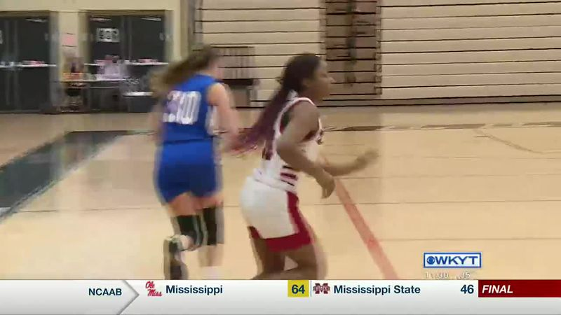Dunbar rolls past Lafayette to stay perfect at 5-0