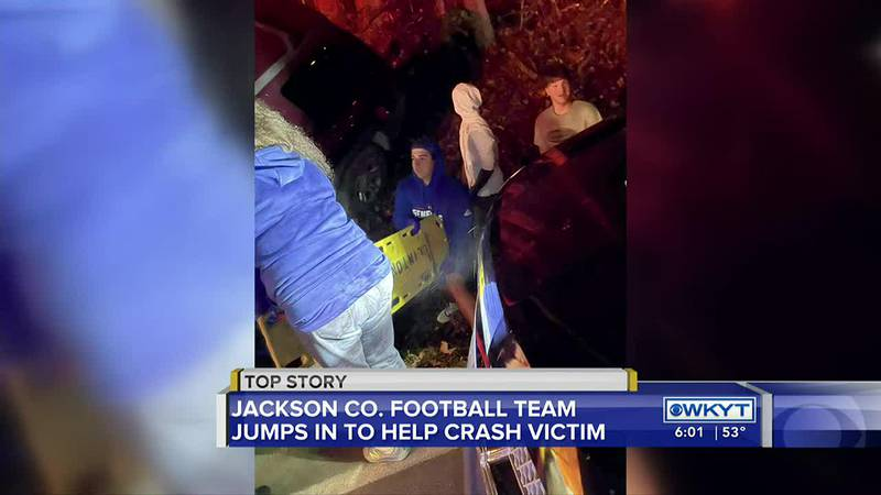 Players from Ky. high school football team credited with saving man's life