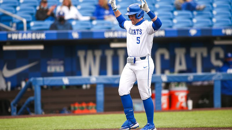 Kentucky completes weekend sweep of Georgia State.