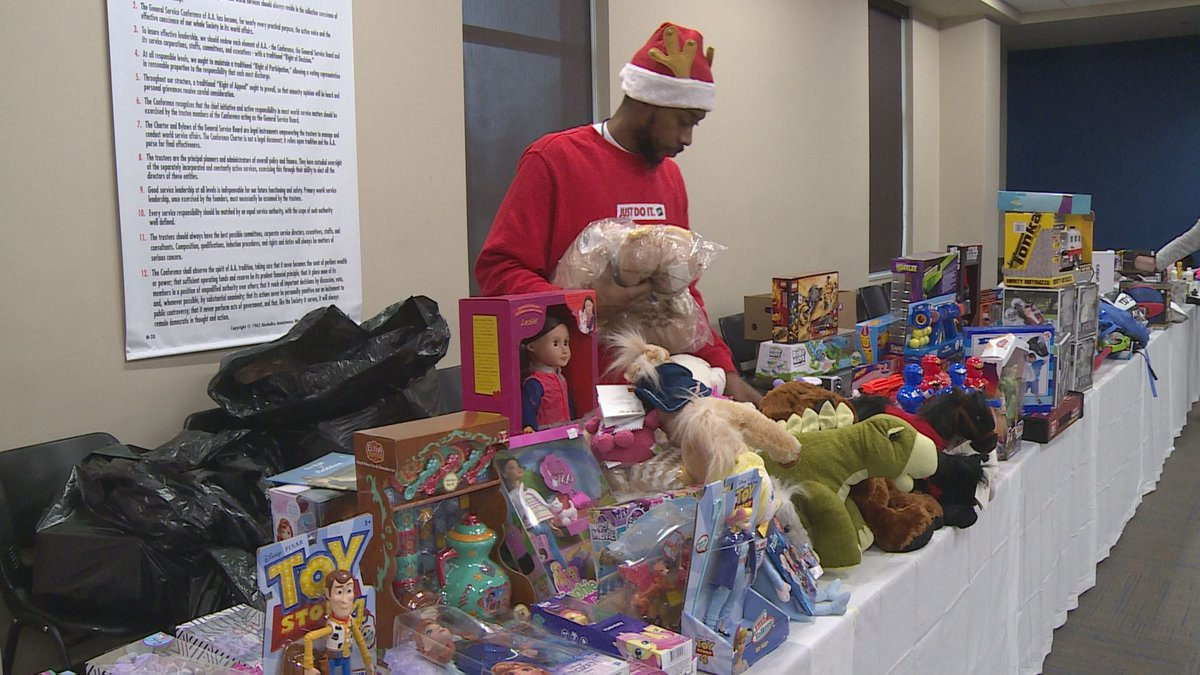 The Hope Center hosted their annual Christmas party for their clients on Wednesday (WKYT)