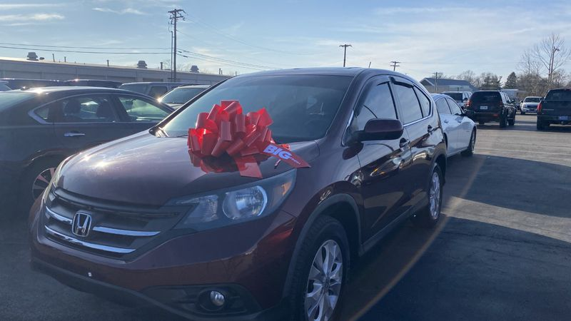 Glenn's Freedom employees gave Cacy Roberts an SUV following a shooting at her home.