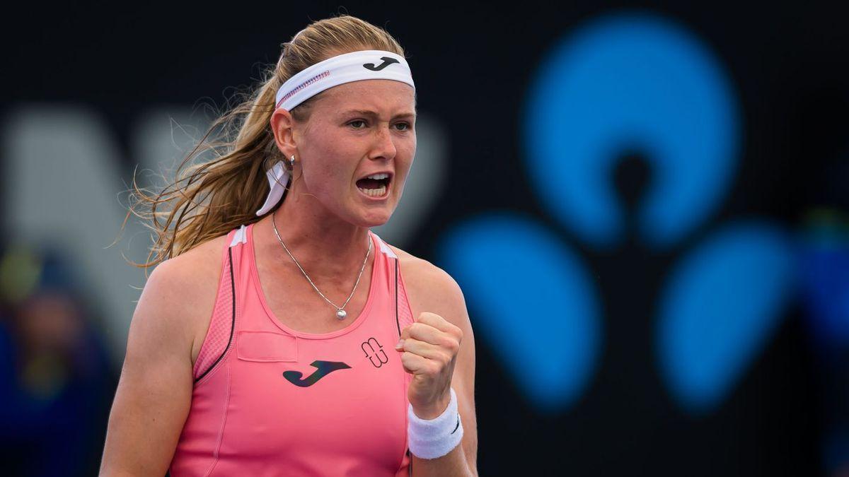 Marie Bouzkova upset Johanna Konta  Photo by WTA/Jimmie48