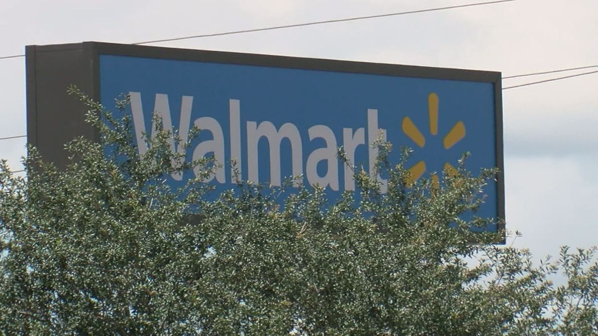 A Kentucky Walmart location is preventing truck drivers from making stops in the parking lot....